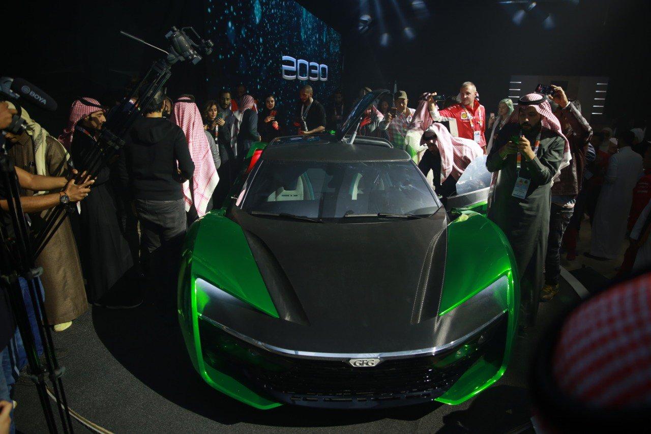 تعرف على سيارة 2030 صنعت لموسم الرياض راي اليمن